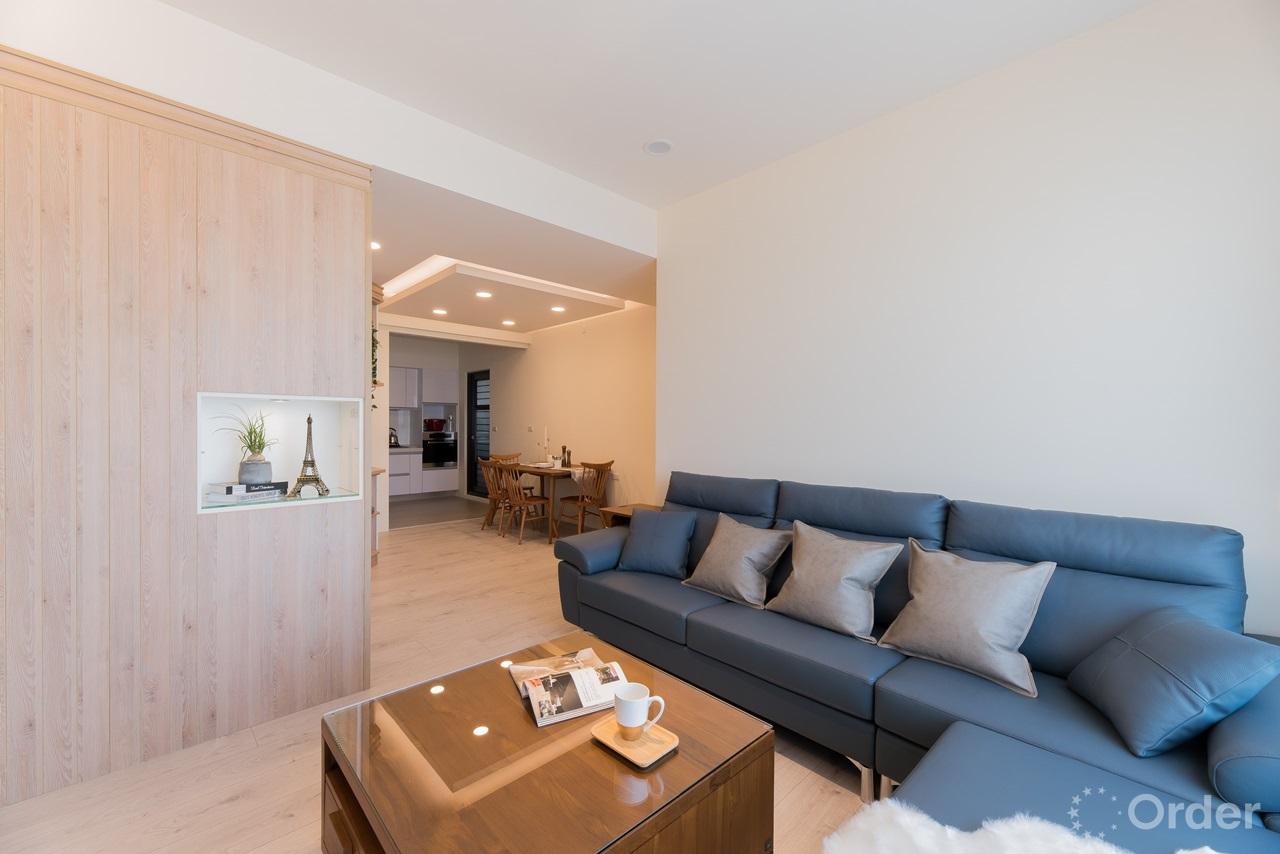 實木傢俱搭配現代沙發打造北歐風格客廳